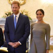 Erwischt! DAS trägt Herzogin Meghan unterm Kleid (Foto)