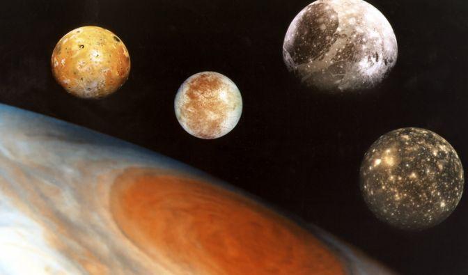 Mysteriöser Mond entdeckt