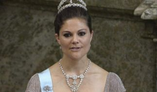 Die schwedische Kronprinzessin Victoria und Prinzessin Sofia müssen um ihre Heimat bangen. (Foto)