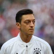 Mesut Özil hier noch mit dem Trikot der Deutschen Nationalmannschaft.
