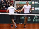 Die deutschen Tennis-Herren Jan-Lennard Struff (r) und Tim Pütz in Aktion beim Davis Cup. (Foto)