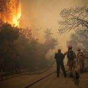 Feuer-Inferno bei Athen völlig außer Kontrolle (Foto)