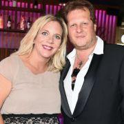 Busen-Schock! Jens Büchners Frau oben ohne im TV (Foto)