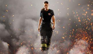 """Die Helden der neuen Pro7-Serie """"Seattle Firefighters"""" gehen buchstäblich durchs Feuer. (Foto)"""