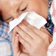 Schnupfen trotz 30 Grad! DIESE Symptomen sollten Sie ernst nehmen (Foto)