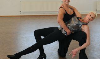 """Profitänzer Oliver Tienken wirbelte bei """"Let's Dance"""" mit der Dänin Brigitte Nielsen übers Tanzparkett. (Foto)"""
