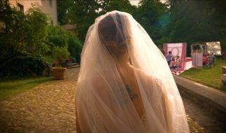 Emily (Anne Menden) als Braut, aber wo ist Paul (Niklas Osterloh)? (Foto)