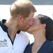 Meghan Markle und Prinz Harry haben sich endlich wieder öffentlich geküsst!