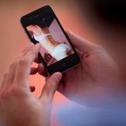 Frau erschießt Ehemann wegen Erotik-Filmen (Foto)