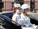 "Die Prinzessinnen Eugenie (l) und Beatrice (r) bei der Parade ""Trooping the Colour"" 2017. (Foto)"