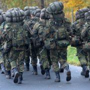 CDU Wehrpflicht-Vorstoßkommt in Bevölkerung super an (Foto)