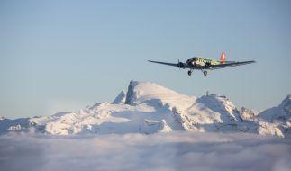 Dieses von Ju-Air zur Verfügung gestellte Foto zeigt ein Flugzeug vom Typ Junkers Ju-52 bei einem Rundflug. (Foto)