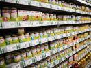 Ein Angeklagter in Ravensburg hat zugegeben, Babynahrung vergiftet und in Ladenregalen platziert zu haben. (Symbolfoto) (Foto)