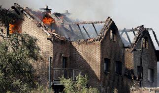 Bei einem Brand an einer Bahnstrecke in Siegburg wurden mehrere Personen verletzt. (Foto)