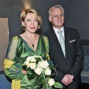 Eine Braut in Grün! Elisabeth Meinhardt und Clemens Richter heirateten im Jahr 2009.