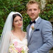 Die jüngste GZSZ-Braut heißt Emily Badak. Sie gibt ihrem Paul Wiedmann 2018 das Ja-Wort.