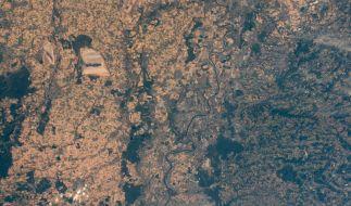 Aus dem Weltraum bietet sich ein schrecklicher Anblick auf das vertrocknete Deutschland. (Foto)