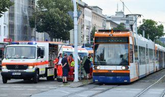 In Mannheim kollidieren zwei Straßenbahnen. Es gibt zahlreiche Verletzte. (Foto)