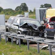 Frau und Mädchen sterben - War die Unfallfahrerin betrunken? (Foto)