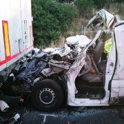 Drei Tote bei Lkw-Crash auf der A2! Strecke gesperrt (Foto)