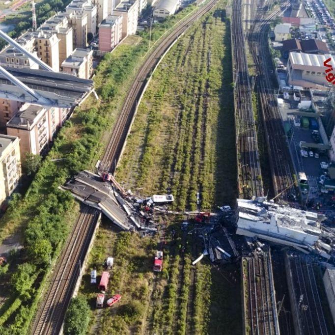 Diskussion über Unglücksbrücke hält an - Keine weiteren Opfer (Foto)