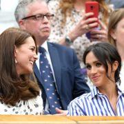 Die Herzoginnen Kate und Meghan müssen besonders darauf achten, peinliche Kleidermomente zu vermeiden.