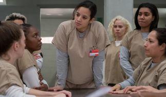 """Dascha Polanco (M) als Dayanara """"Daya"""" Diaz in einer Szene der sechsten Staffel von """"Orange Is The New Black"""" (OITNB). (Foto)"""