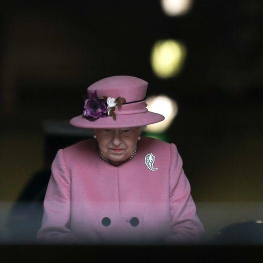 Todes-Schock! Diese Meldungen erschüttern die Queen im Urlaub (Foto)
