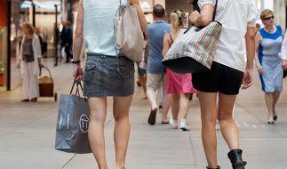 Verkaufsoffener Sonntag lädt zum Shoppen und Bummeln ein. (Foto)