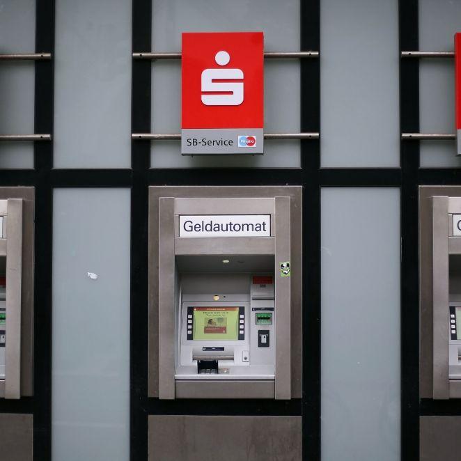 DAS ändert sich jetzt beim Geldabheben für Sparkassen-Kunden! (Foto)