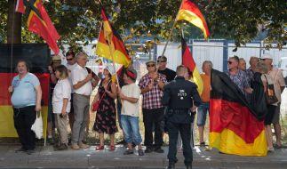Nach dem umstrittenen Einsatz gegen ZDF-Journalisten steht die Polizei in Sachsen am Pranger. (Foto)