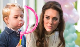 Kate Middleton mit ihrem ältesten Sohn Prinz George. (Foto)