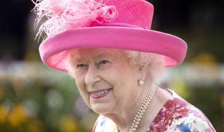 Ob sich Queen Elizabeth II. ähnlich erfreut an ihre Großmutter Mary von Teck erinnert? (Foto)