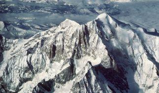 Bei einem Flugzeugabsturz in den französischen Alpen sind zwei deutsche Passagiere ums Leben gekommen (Symbolbild). (Foto)