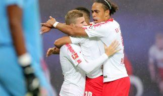 Erleichterung beiTimo Werner (l), Yussuf Poulsen (r) und Matheus Cunha (verdeckt). RB Leipzig zieht in die Gruppenphase der Europa League ein. (Foto)