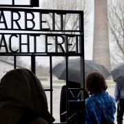 AfD-Besucher pöbeln in KZ-Gedenkstätte (Foto)