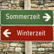 Tschüß Sommer- und Winterzeit! DIESE Promis sagen klar ihre Meinung (Foto)