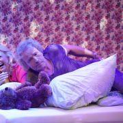 Sie will Doggy Style! Schöneberger beim Matratzensport mit Gottschalk (Foto)