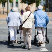 Schock für Steuerzahler! Rentenbeitrag steigt 2023 (Foto)