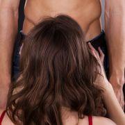 Aus Rache! Freundin der Ex beißt Mann in den Penis (Foto)