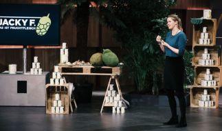 """Julia Huthmann erhofft sich bei """"DHDL"""" Unterstützung für ihr Produkt Jacky F. (Foto)"""