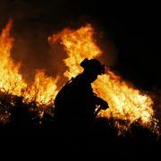 Feuer-Drama in Hessen! Wohnmobil steckt Reihenhäuser in Flammen (Foto)