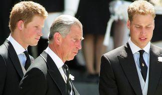 Das Verhältnis von Prinz Charles zu William und Harry soll angespannt sein. (Foto)