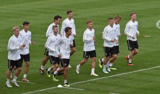 Die deutschen Fußball-National-Elf beim Training für die Länderspiele gegen Frankreich und Peru. (Foto)