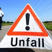 Horror-Crash in Bayern! LKW-Fahrer von Stahlblechrolle zerquetscht (Foto)