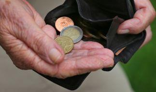Laut einer Studie droht vielen zukünftigen Rentnern im Alter eine riesige Versorgungslücke. (Foto)