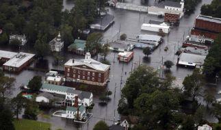 """Die Straßen von Trenton stehen vollständig unter Wasser. Ex-Hurrikan """"Florence"""" hat an der Südostküste der USA für enorme Überschwemmungen und Schäden gesorgt. (Foto)"""