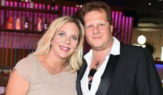Jens Büchner mit seiner Frau Daniela. (Foto)