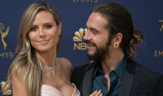 Heidi Klum strahlt mit Freund Tom Kaulitz bei den Emmy Awards. (Foto)