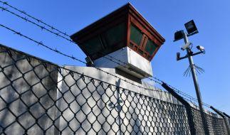 Die Abschiebung eines straffällig gewordenen Libanesen scheiterte unter anderem an einem Behördenfehler (Symbolbild). (Foto)